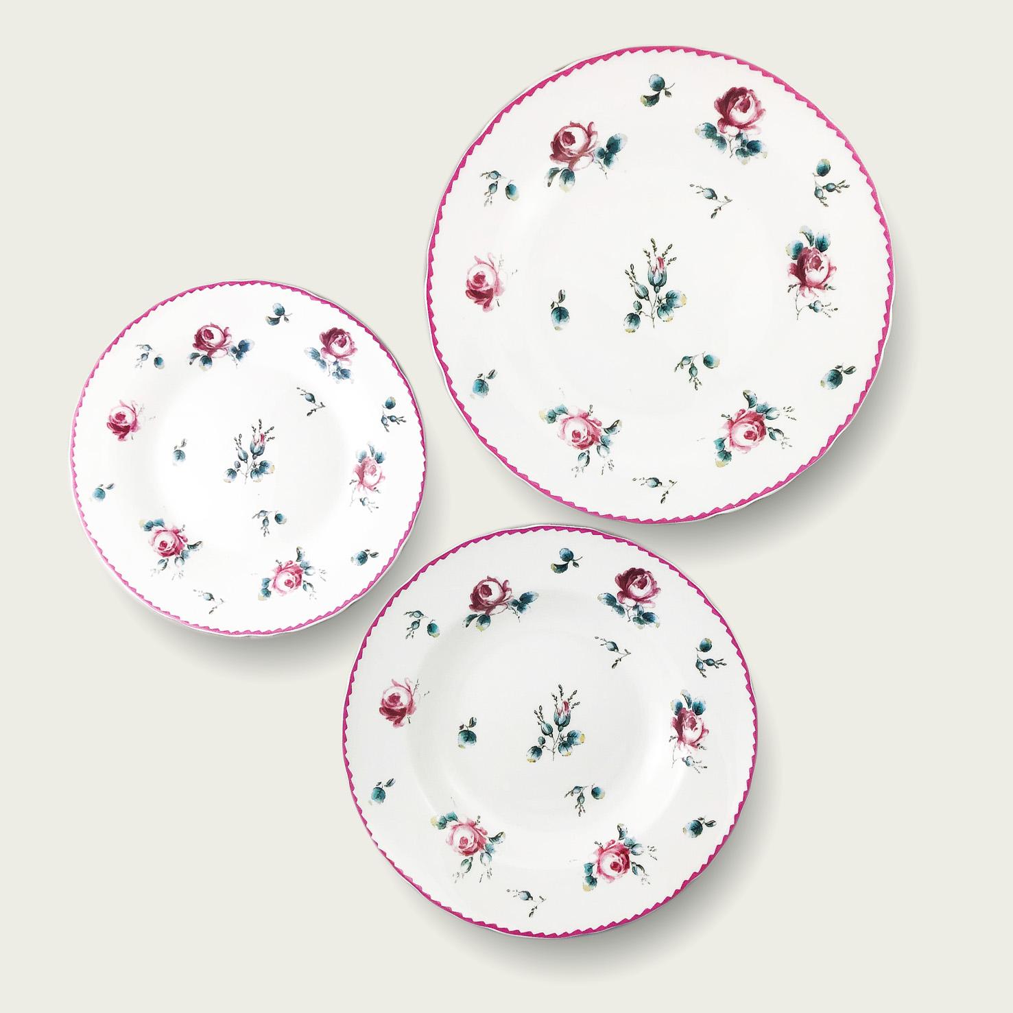 Piatto in porcellana - forma tradizionale - decoro floreale-rosa