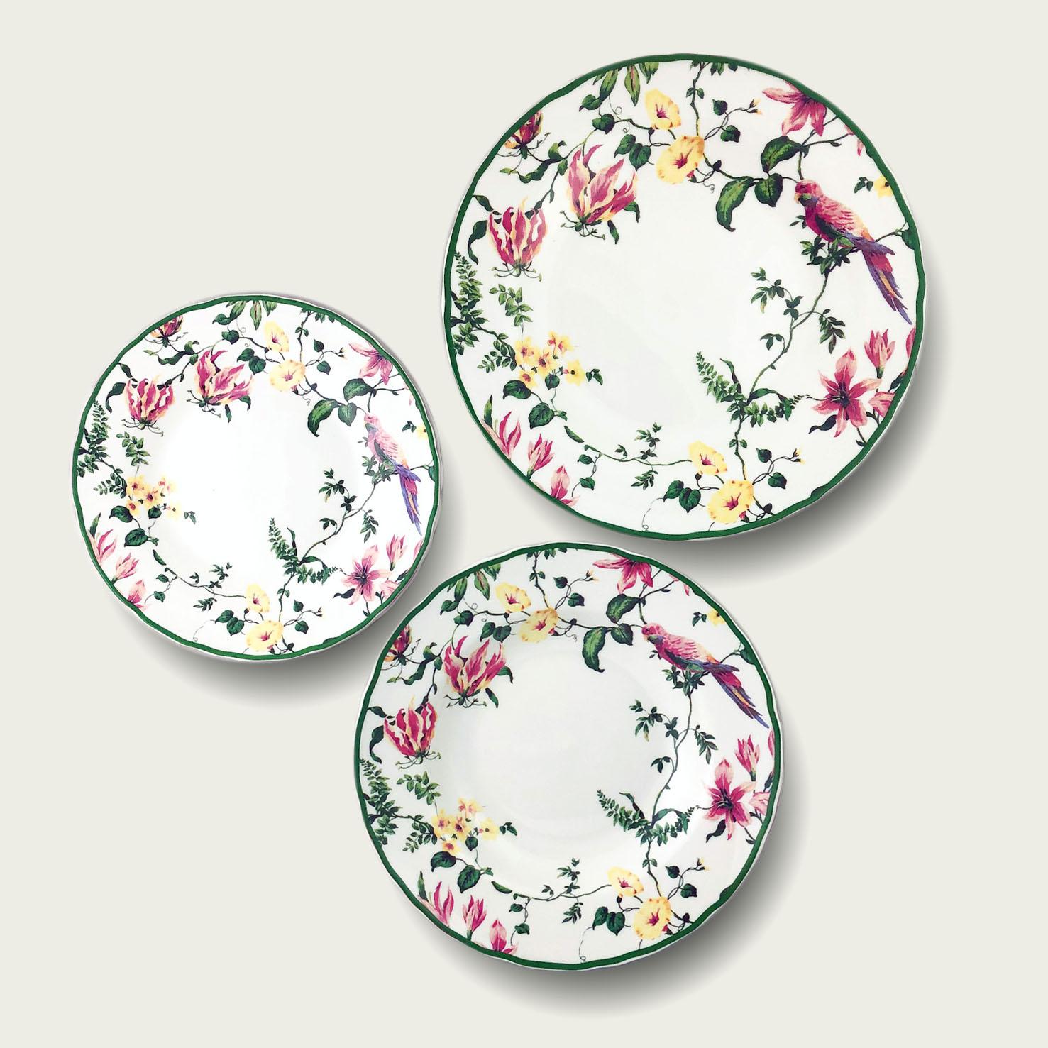 Piatto in porcellana - forma tradizionale - fiori colorati